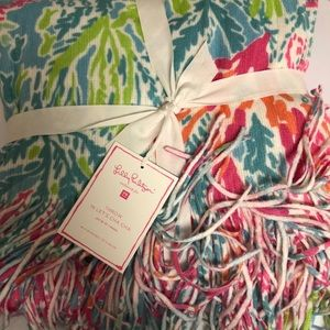 NWT Lilly Pulitzer Let's Cha Cha Throw